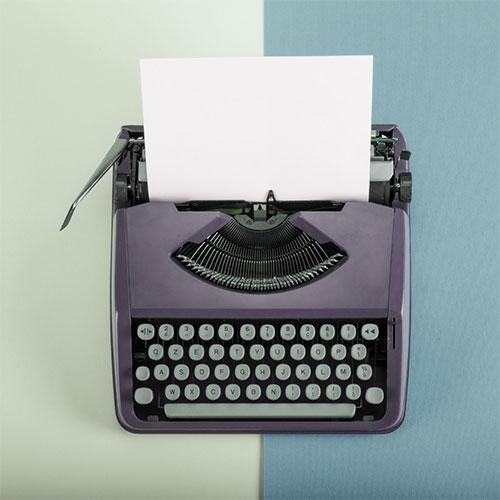 Image montrant une ancienne machine à écrire